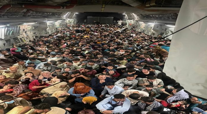 Afghanishtan Seeing the crying of women the heart of American soldiers swelled more passengers were taken out of the country than capacity