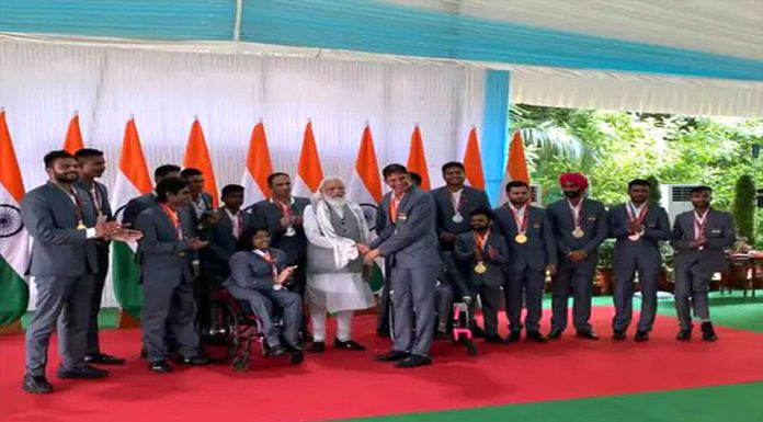 PM Modi meets Heroes of Tokyo Paralympics history has been created on their own